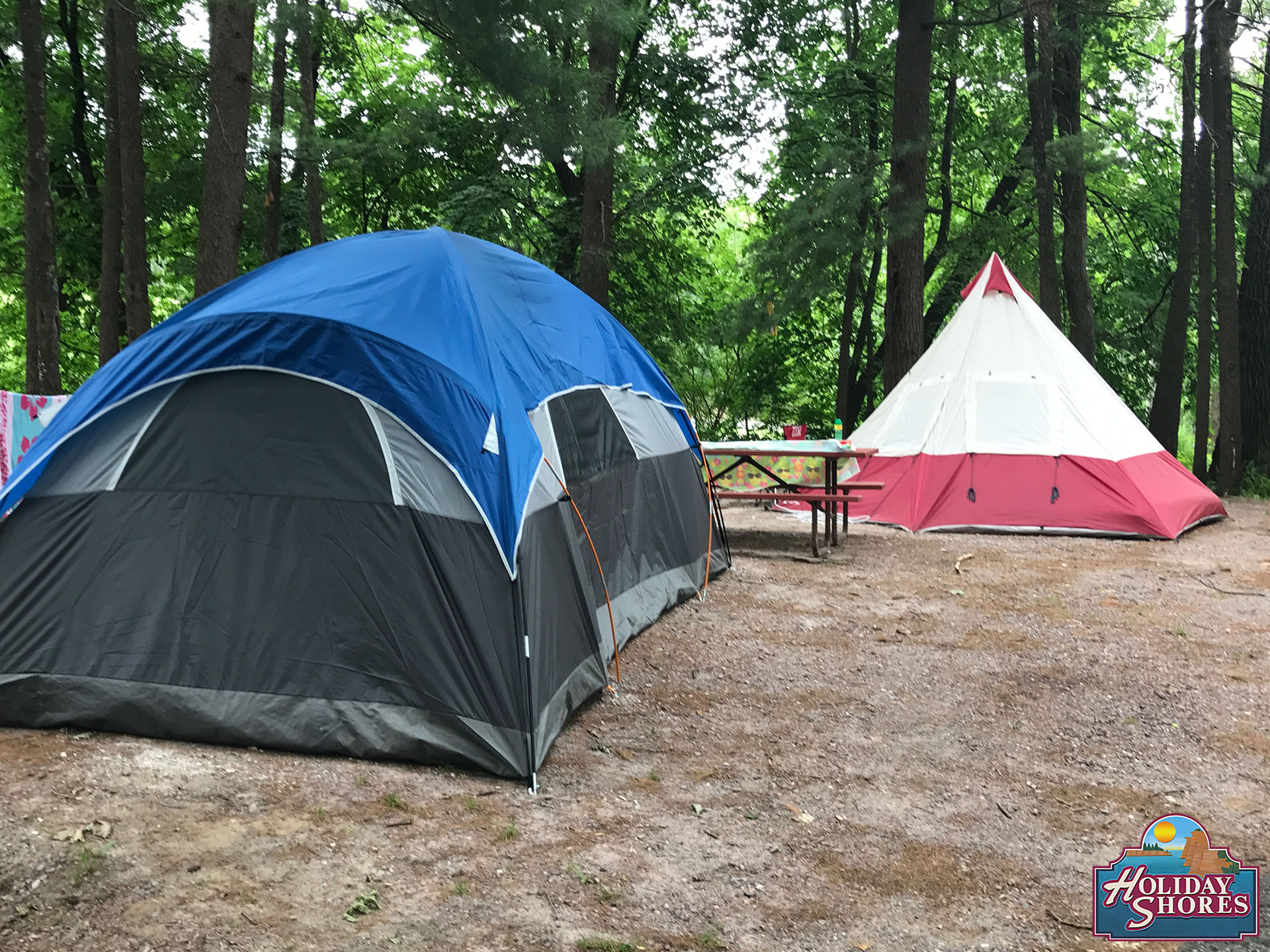 Holiday Shores Tent Tee Pee Site