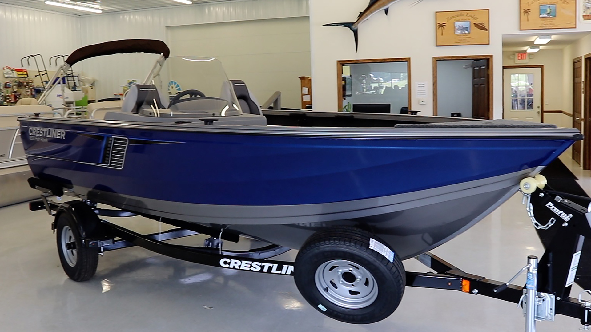 Holiday Shores Marina Crestliner Boat C